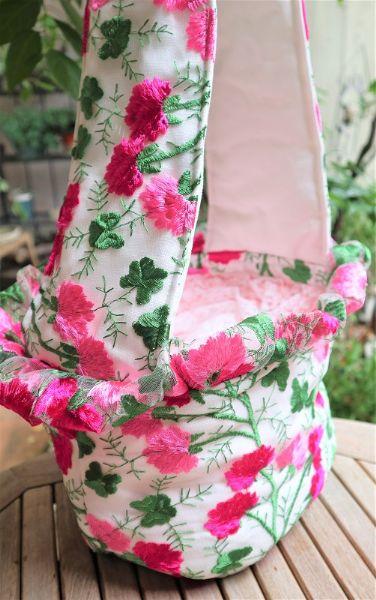 ルル・ドヌフ LouLou29 Pink Flower 刺繍スリングBAG