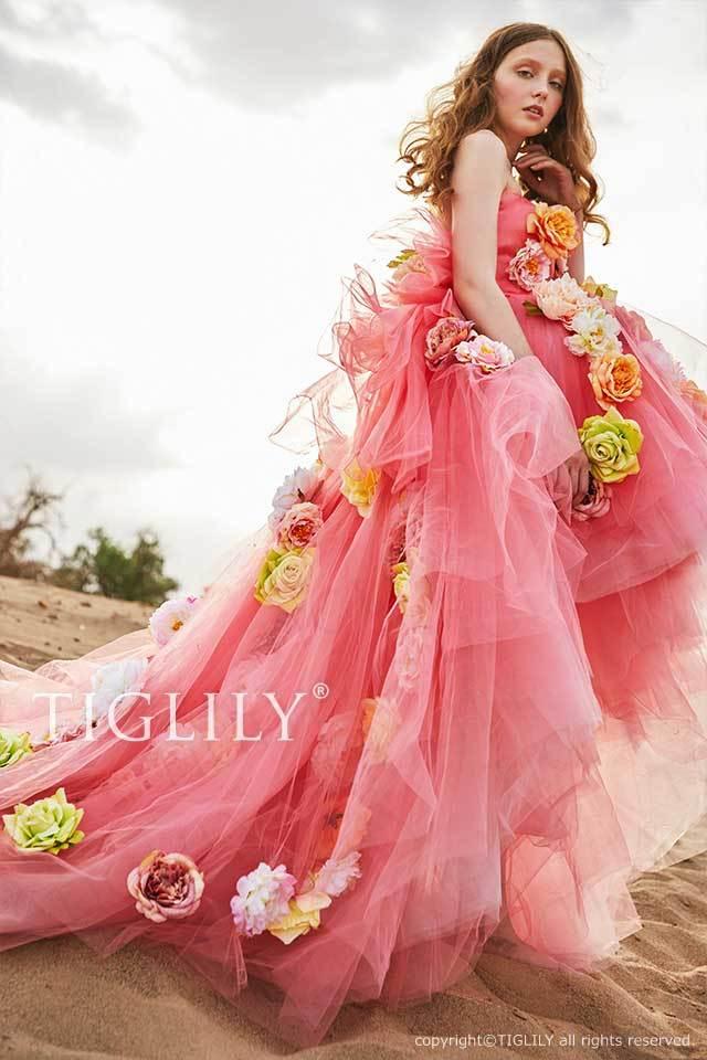TIGLILY前が短くお花がたくさんついたピンクのフラワーカラードレスc190