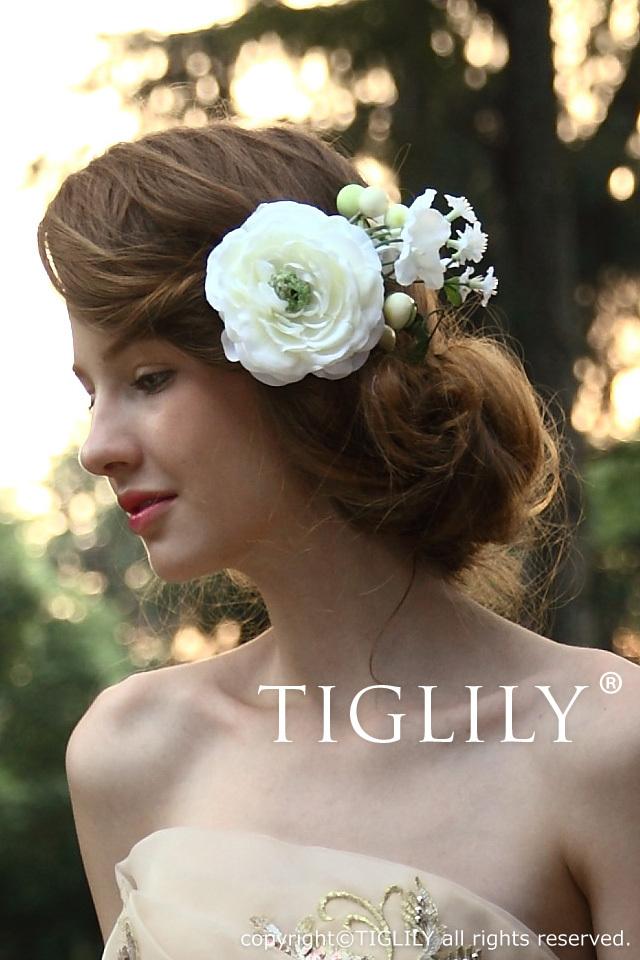木の実つき白いお花の髪飾り(th039)