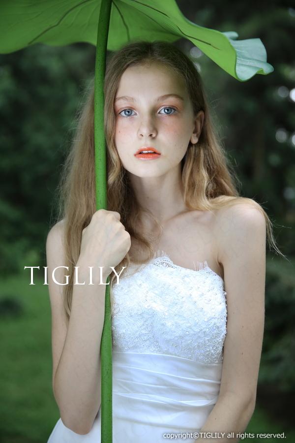 TIGLILY ホワイトドレス w302