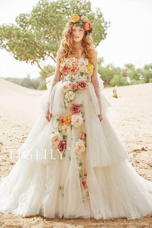 TIGLILYの白のお花のフラワードレス、ホワイトウエディングドレスw353