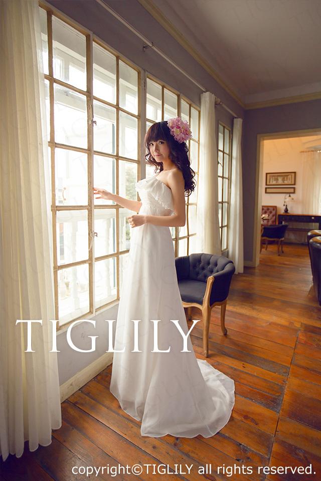 TIGLILY ホワイトドレス w411