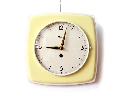 BISON              ビンテージ壁時計(クリーム)