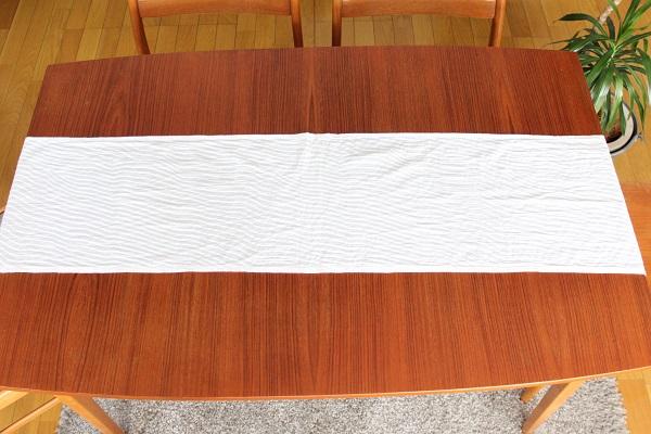 北欧ヴィンテージ         marimekko テーブルランナー 140cm×32cm / 白