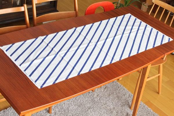 北欧ヴィンテージ         Tampella ファブリック 124cm×50cm / 白×ブルー