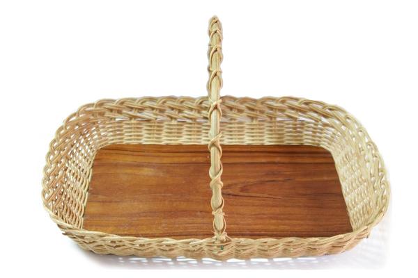 北欧ビンテージ トレイ    籐と合板のトレイ(持ち手つき) / フィンランド