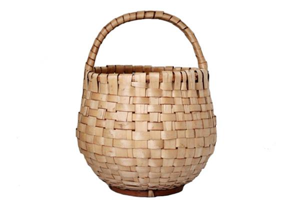 北欧で見つけた古道具          Pine Basket / モミの木のバスケット(Gourdタイプ)