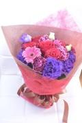 バラカーネーションガーベラ 赤紫 かっこいい花束