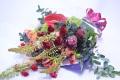 【全国送料無料】赤バラとドライ素材を使った花束