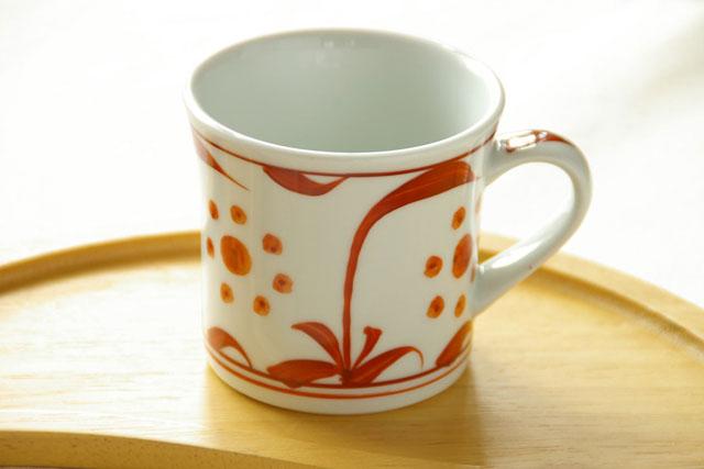 【砥部焼 梅山窯】赤太陽の反マグカップ