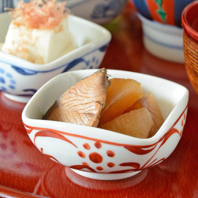 和食器・砥部焼 赤太陽の四方鉢