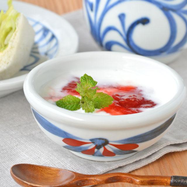 和食器・砥部焼 ごす赤菊の玉ぶち鉢(3寸)
