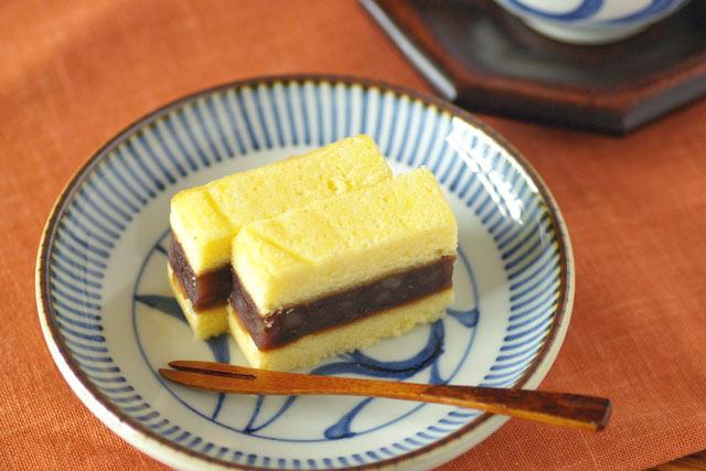 和食器・砥部焼 とくさ内唐草の取皿(4,6寸)