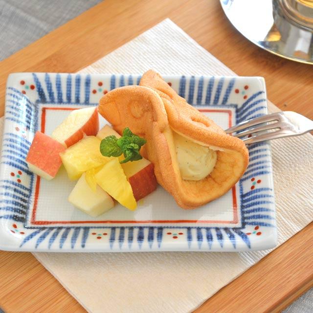 和食器・砥部焼 とくさみつ紋の布目角皿(4.6寸)