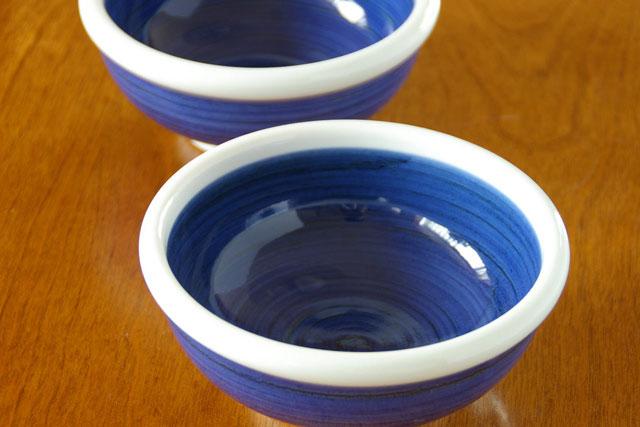 【砥部焼 梅山窯】藍色の玉ぶち鉢(5寸)