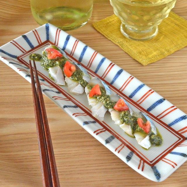 和食器・砥部焼 ごす赤線の布目細角皿(7.8寸)