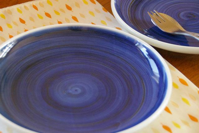 【砥部焼 梅山窯】藍色の大皿(8寸)