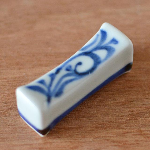 和食器・砥部焼 からくさの箸置き