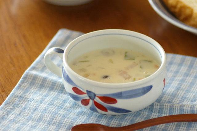 【砥部焼 梅山窯】ごす赤菊のふっくらスープカップ