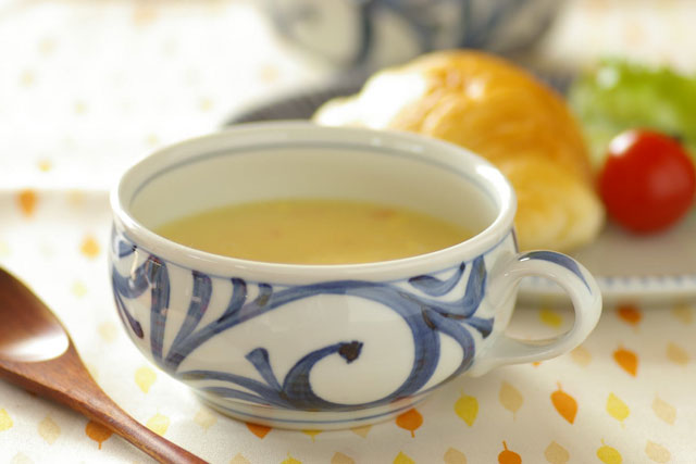 和食器・砥部焼 からくさのふっくらスープカップ