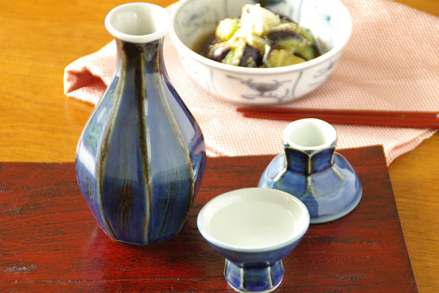 【砥部焼 梅山窯】藍色の酒器セット・