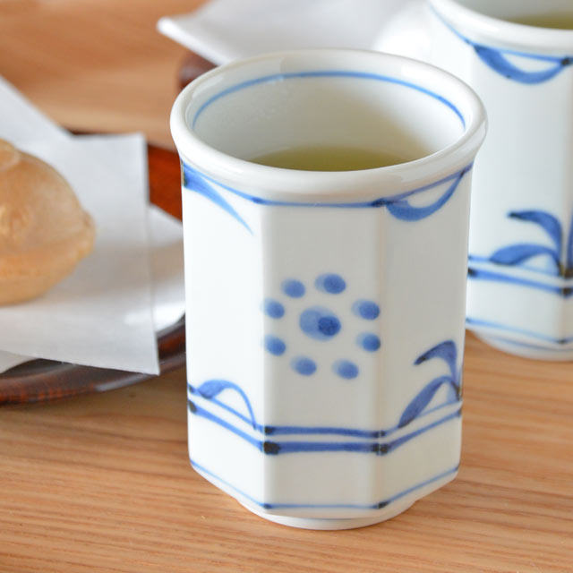 和食器・砥部焼 太陽柄の八角湯呑(小)