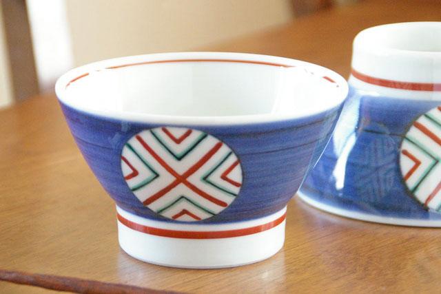 【砥部焼 梅山窯】丸ぬきの茶碗(大)