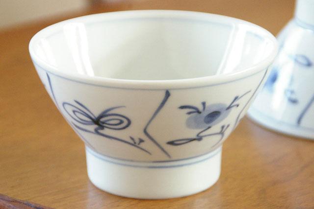 【砥部焼 梅山窯】なずなの茶碗(大)
