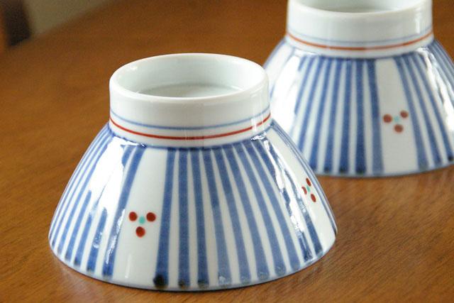 【砥部焼 梅山窯】とくさみつ紋の茶碗(大)