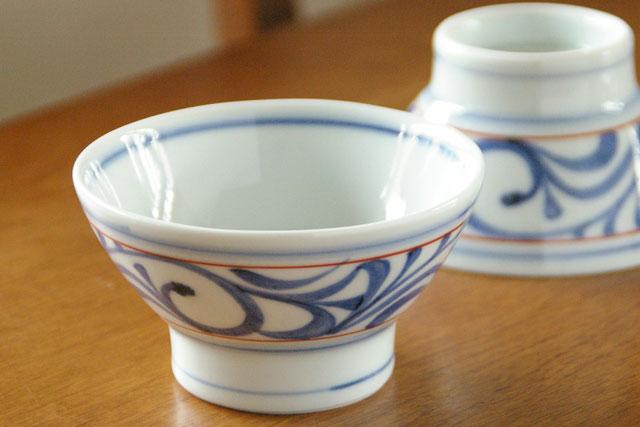 【砥部焼 梅山窯】赤線からくさの茶碗(小)