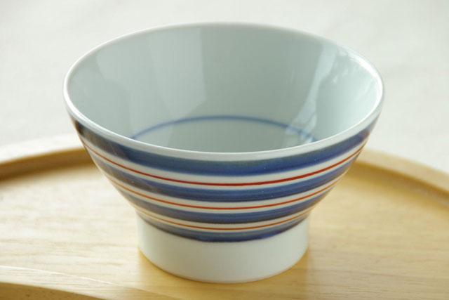【砥部焼 梅山窯】あい赤ラインの茶碗(小)