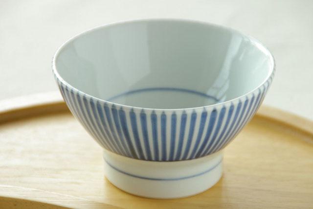 【砥部焼 梅山窯】とくさ柄の茶碗(小)
