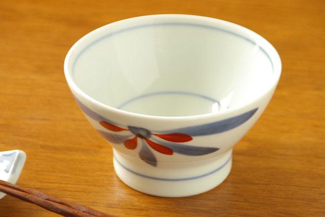 【砥部焼 梅山窯】ごす赤菊の茶碗(小)