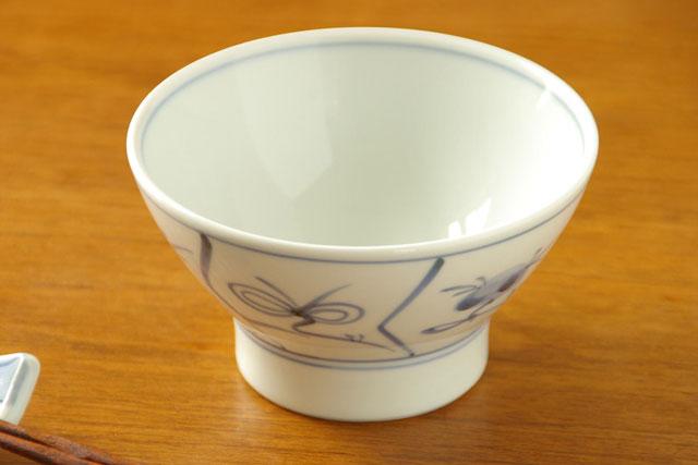 【砥部焼 梅山窯】なずなの茶碗(小)