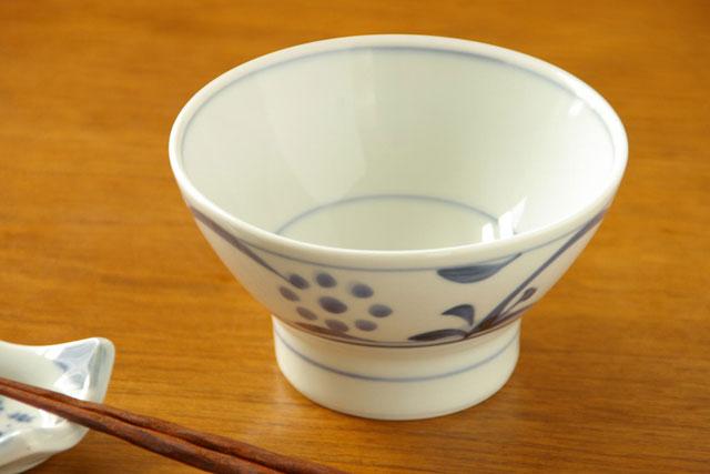 【砥部焼 梅山窯】太陽柄の茶碗(小)