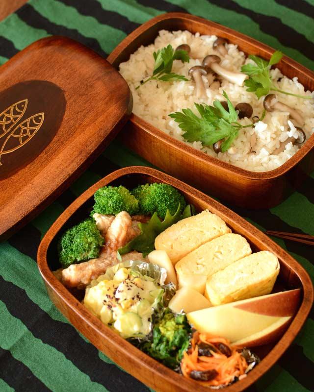 香川漆器 魚文の小判弁当箱(二段)