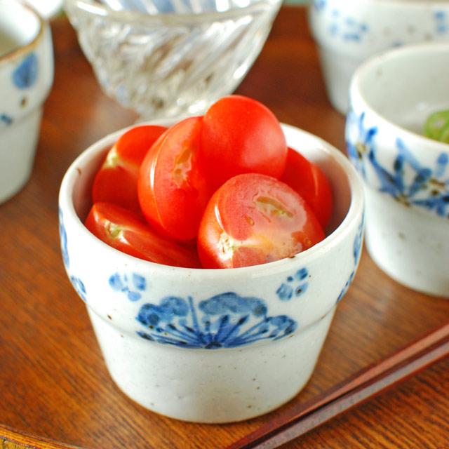和食器・砥部焼 花文の段付カップ