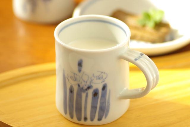 【砥部焼 森陶房】すいせんのマグカップ