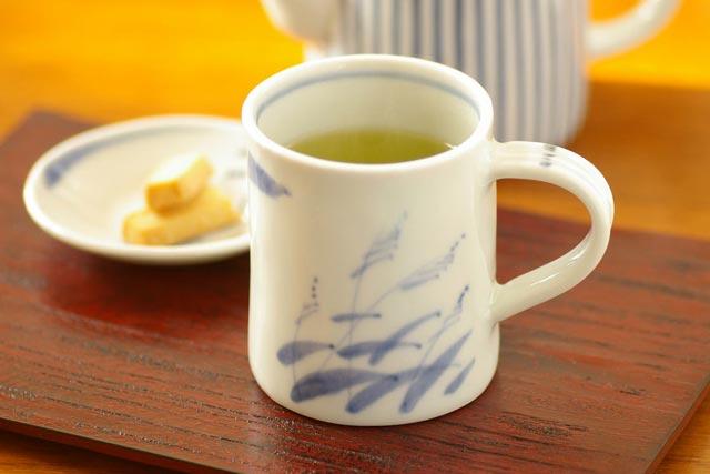 【砥部焼 森陶房】すすきのマグカップ