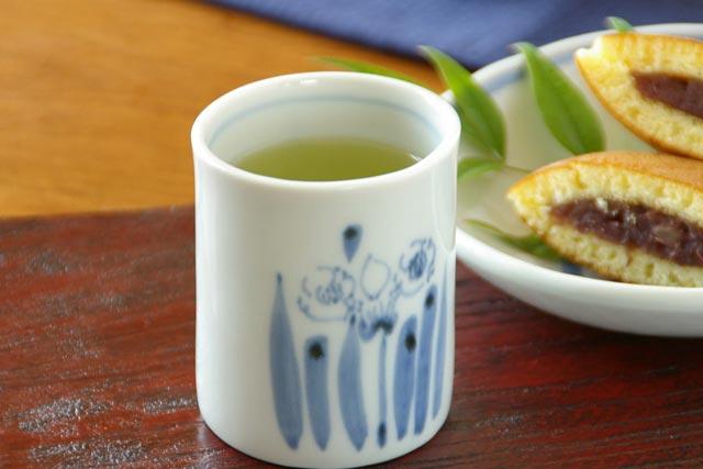 【砥部焼 森陶房】すいせんの筒湯のみ(大)