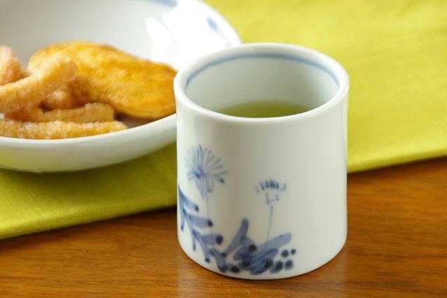 【砥部焼 森陶房】たんぽぽの筒湯のみ(小)