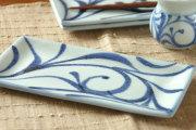 【砥部焼 梅山窯】からくさの布目角皿(6.7寸)
