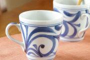 【砥部焼 梅山窯】からくさのモーニングカップ