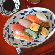 和食器・砥部焼 唐草の楕円皿