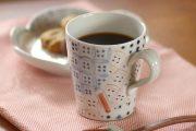 【砥部焼 陶房遊】彩り紋のマグカップ