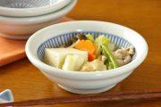 【砥部焼 中田窯】はけめ模様の玉ぶち鉢(4.5寸)
