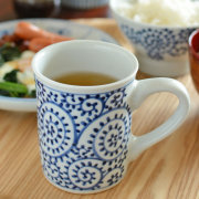 和食器・砥部焼 蛸唐草の切立マグカップ