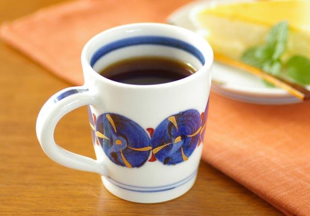 【砥部焼 西岡工房】ごすまる柄のマグカップ