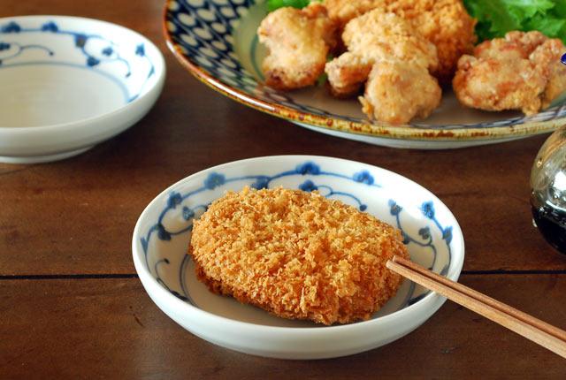 和食器・砥部焼 からくさ模様の小皿(4寸)