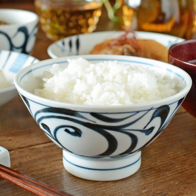 和食器・砥部焼 唐草文の茶碗(大)
